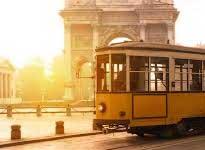Tour guidato a Milano a bordo della storica Vettura 1503